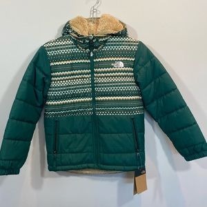 NEW North Face Reversible Boys Jacket Size M
